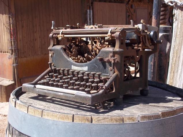 Typewriter - Two Second Street - www.twosecondstreet.com