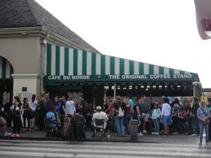 Cafe du Monde - Two Second Street - www.twosecondstreet.com