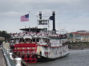 Steamboat Natchez - Two Second Street - www.twosecondstreet.com